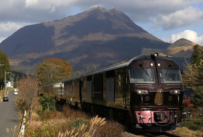 03九州觀光列車(上)塩塚陽介撮影02目前最受矚目的超豪華列車「七星(七つ星)」