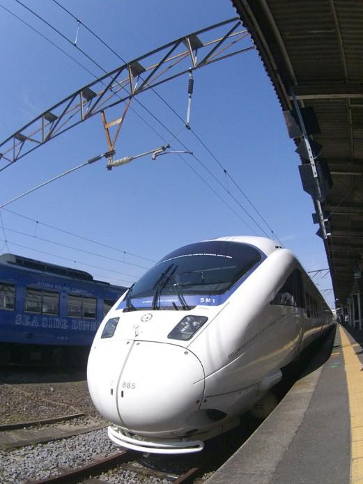 03九州觀光列車(上)01博多(福岡)到長崎只要2小時的特急「海鷗號(かもめ)」