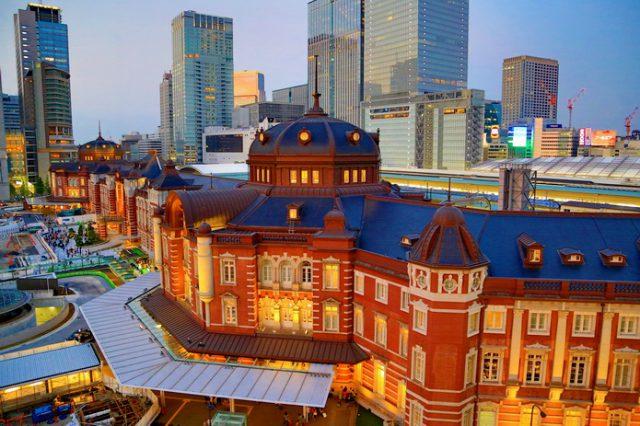 東京車站我最推薦的拍照點 KITTE六樓空中花園 從白天到黃昏   林氏璧和美狐團三狐的小天地