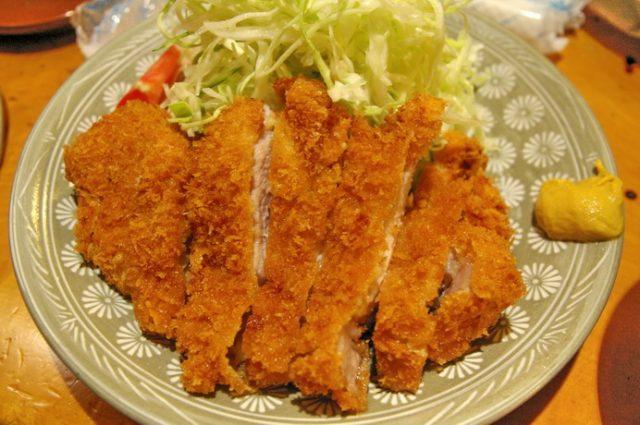 富士豬排飯:隱藏在京橋巷弄中令人驚艷的小店(五星)   林氏璧和美狐團三狐的小天地